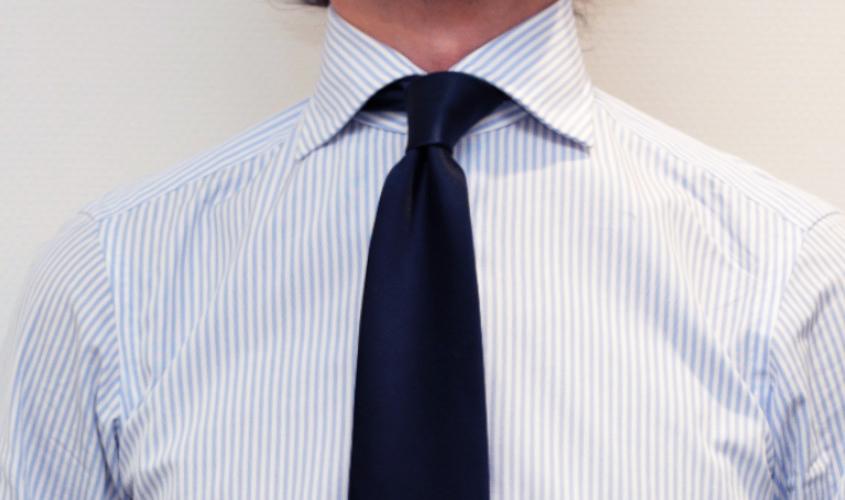 ネクタイのディンプルの仕上げ