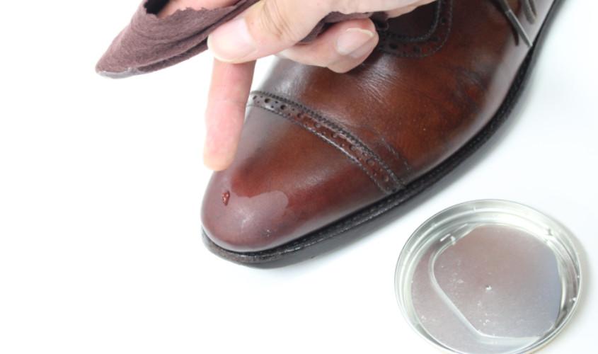靴鏡面磨き004