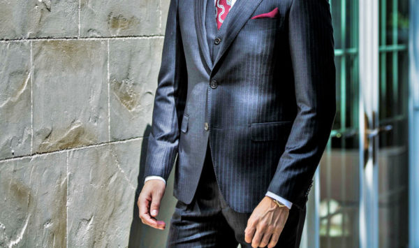 あなたのスーツは大丈夫?スーツの正しい袖の長さ