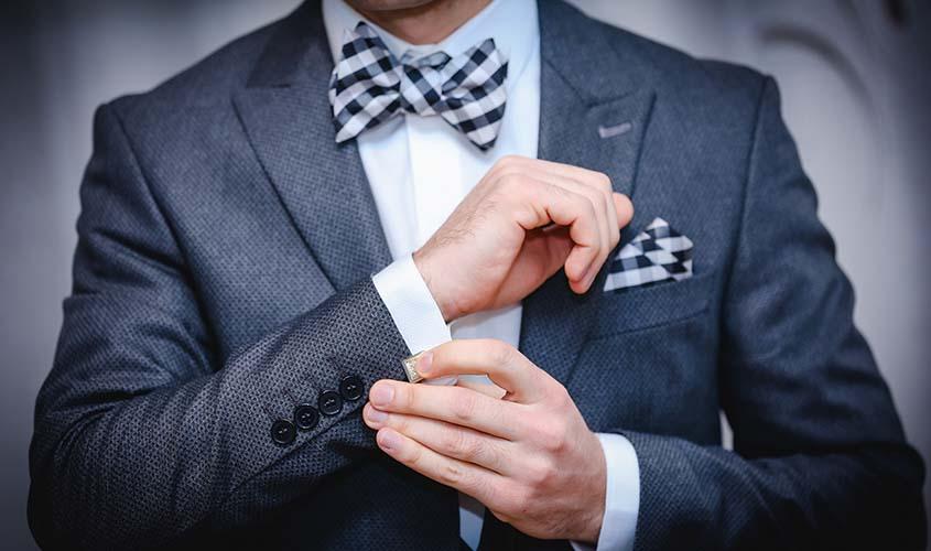 デート用のスーツとビジネスシーンのスーツ