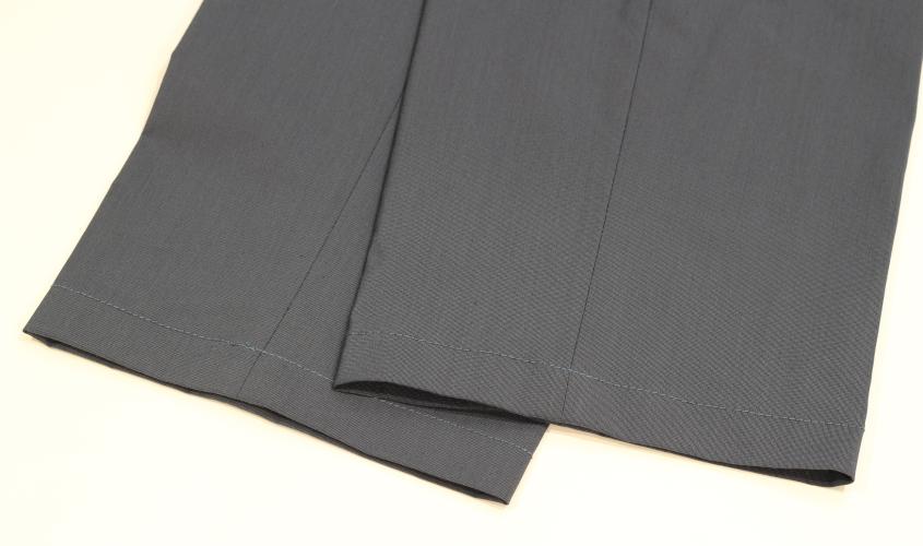 スラックスやパンツの裾上げのミシンタタキ仕上げ