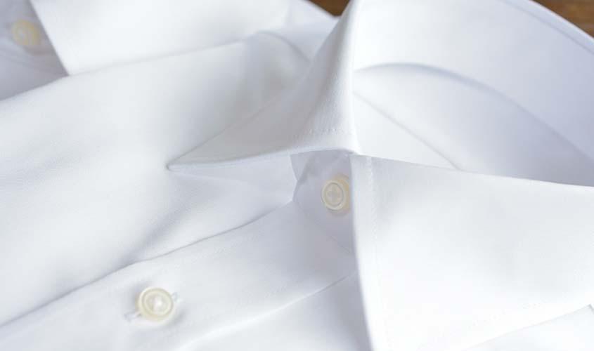 就活に合う白のワイシャツ