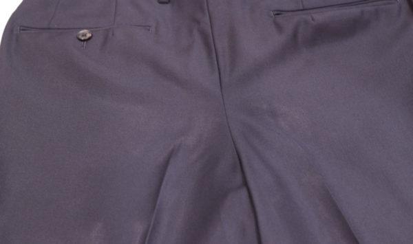 気になるスーツのテカリ | スーツのケアと予防の解説