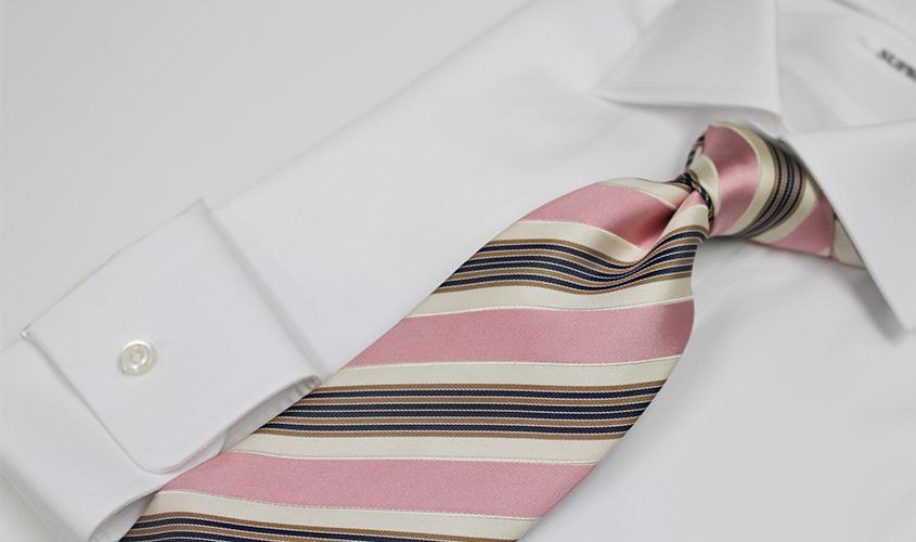 ピンクのネクタイの意味