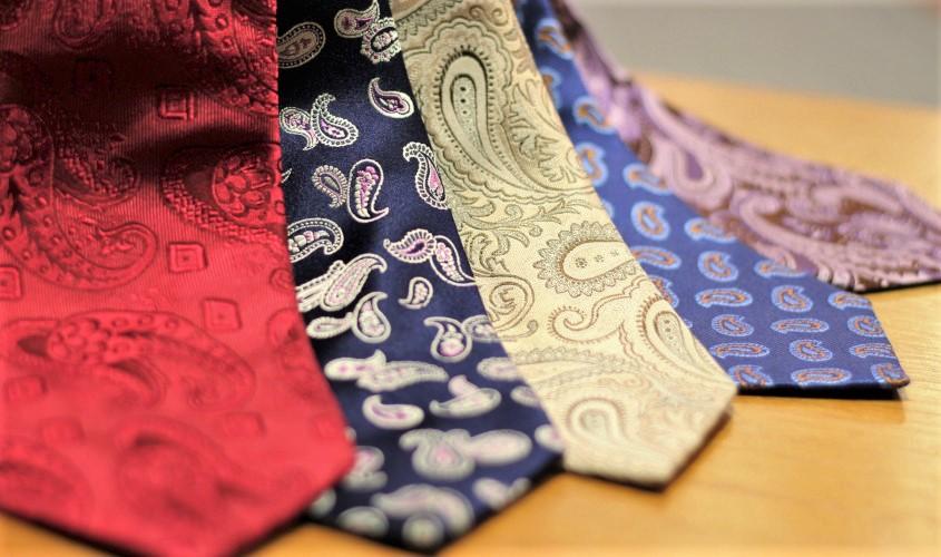 ペイズリーのネクタイ
