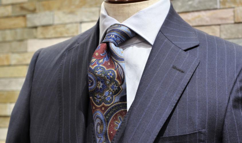 ペイズリー柄のネクタイ