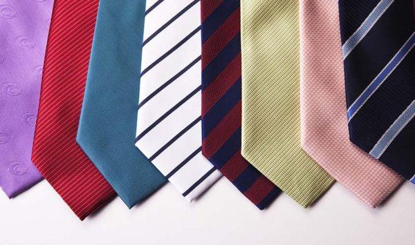 ネクタイの色には意味がある | 与えたい印象別のコーディネイト