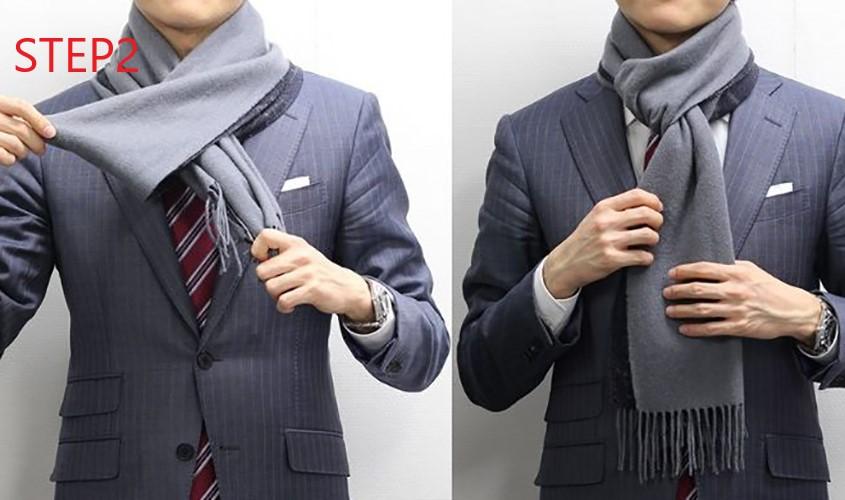 スーツに合わせるワンループのマフラー巻き方