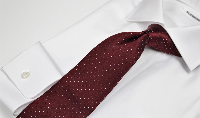 赤いネクタイの意味