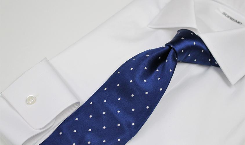 ブルーのネクタイの意味